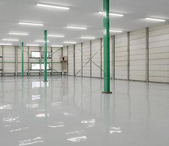 グレーの塗床
