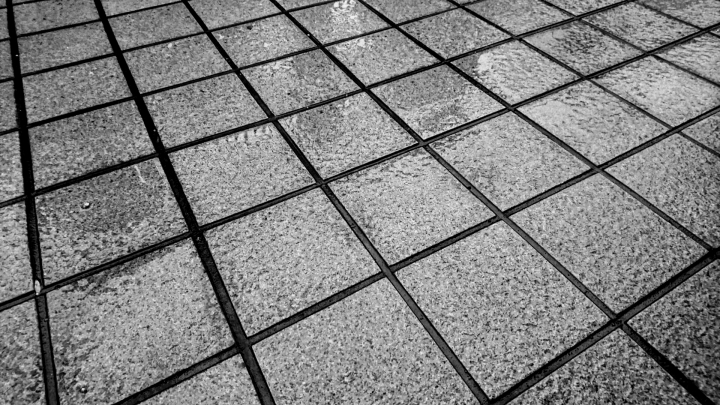 雨掛かり部の床仕上材として